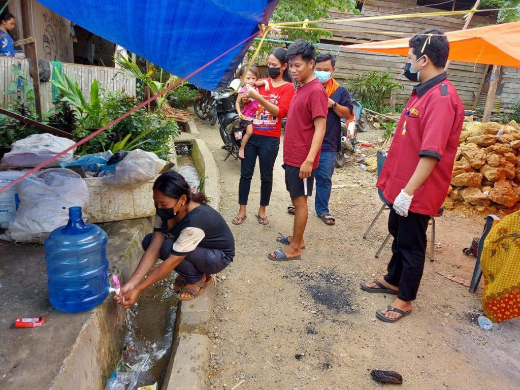 Tim Medis MDMC FK Unismuh Makassar Berikan Bantuan Layanan Kesehatan di Sulbar